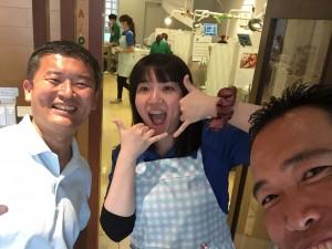 本蓮沼にある仁愛歯科クリニックの、院長もスタッフも楽しそう(^^